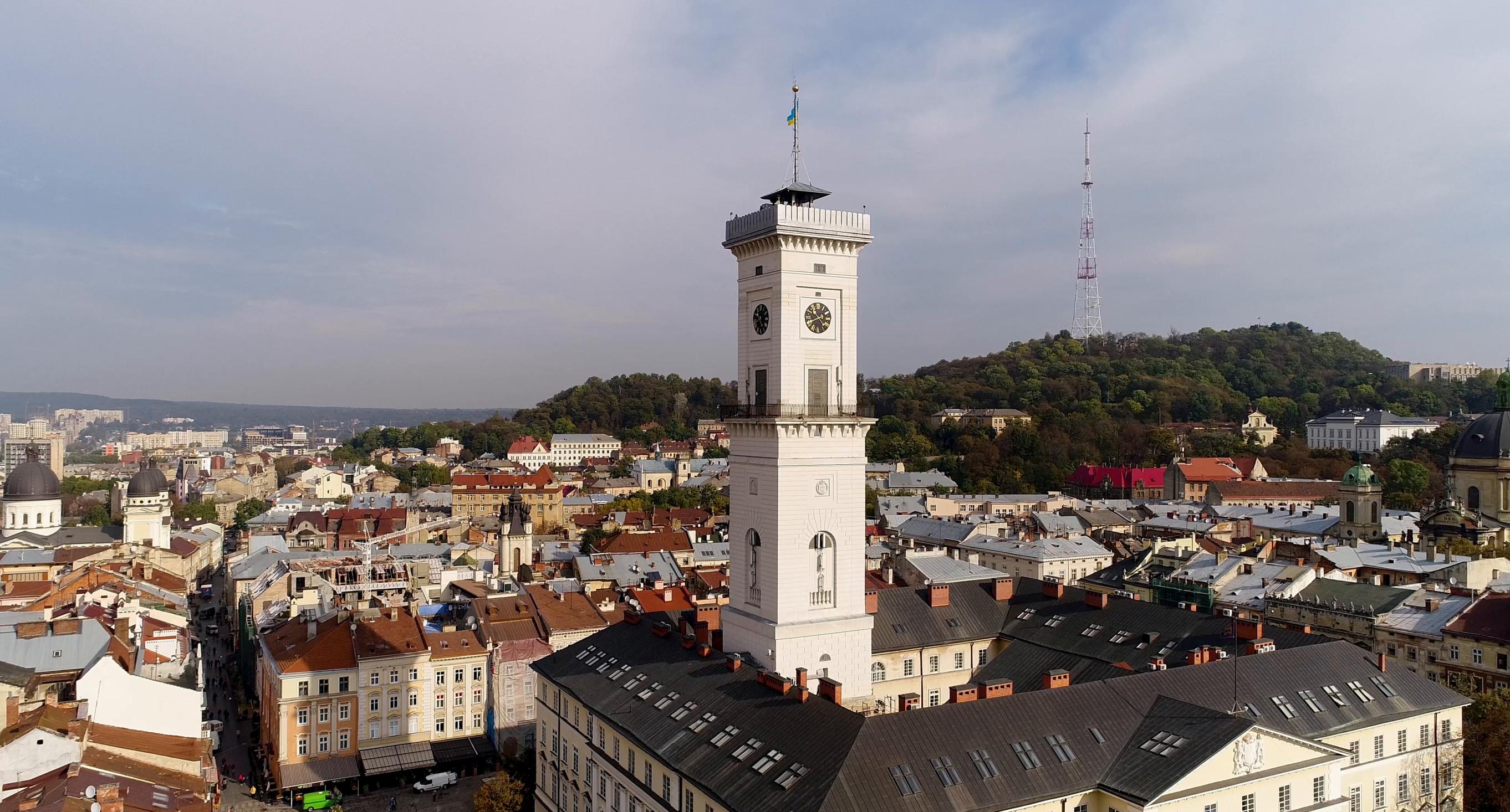 Львівська ратуша та як на неї піднятися   Lviv.Travel